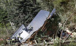 Un tremblement de terre fait 9 morts, des dizaines de disparus et des centaines de blessés