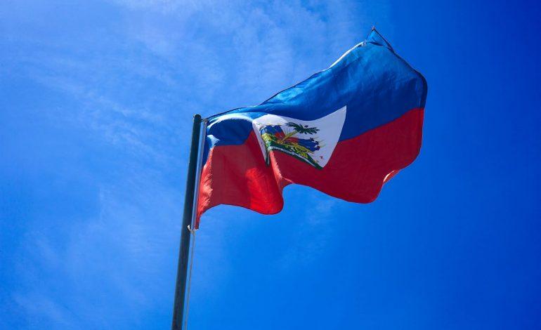 Le drapeau haïtien : les deux versions de sa création