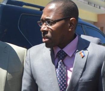 Sous fond de tension, le Ministère des Affaires Sociales reprend ses activités
