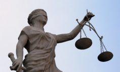 Kits Scolaires : le glaive de la « justice » semble devoir trancher d'autres têtes.