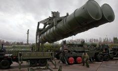 La défense antiaérienne syrienne abat plusieurs missiles d'origine incertaine