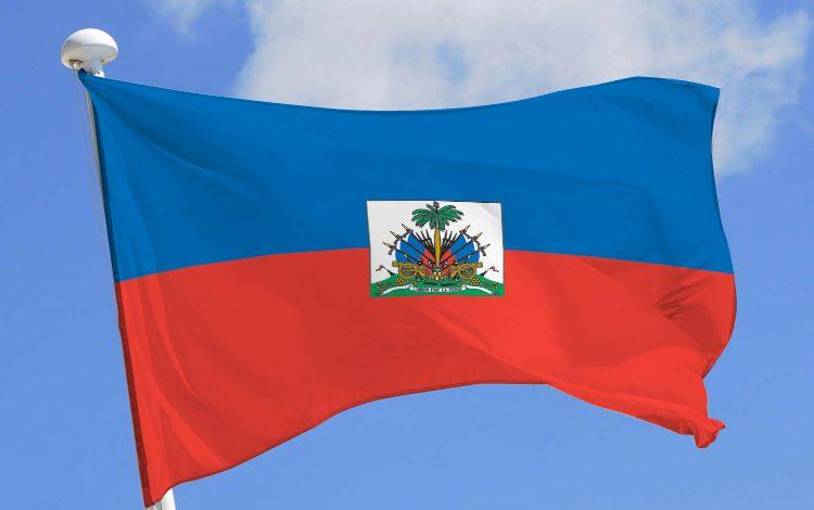 La mairesse de l'Arcahaie arrête les préparatifs de la fête du drapeau