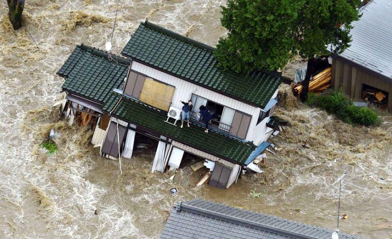 Japon : des pluies torrentielles font une centaine de morts