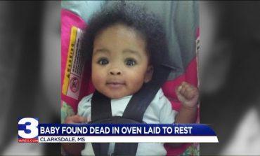 Funérailles d'un bébé poignardé et brulé dans un four