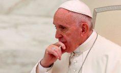 Vatican : Le Pape François dégrade trois cardinaux de son cabinet