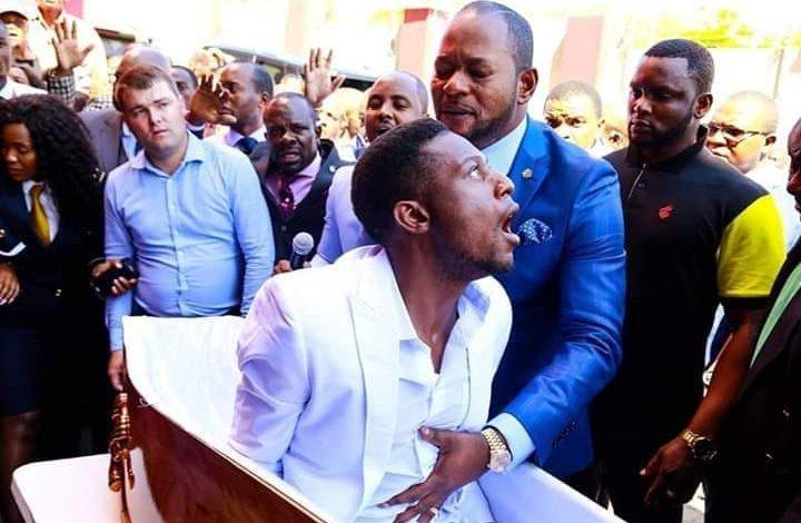 Un pasteur africain aurait ressuscité un mort à ses funérailles