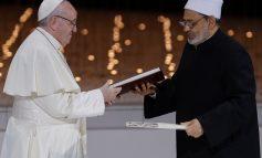 Le pape François et l'imam Al-azhar, Almad Al Tayyeb s'unissent pour la fraternité humaine
