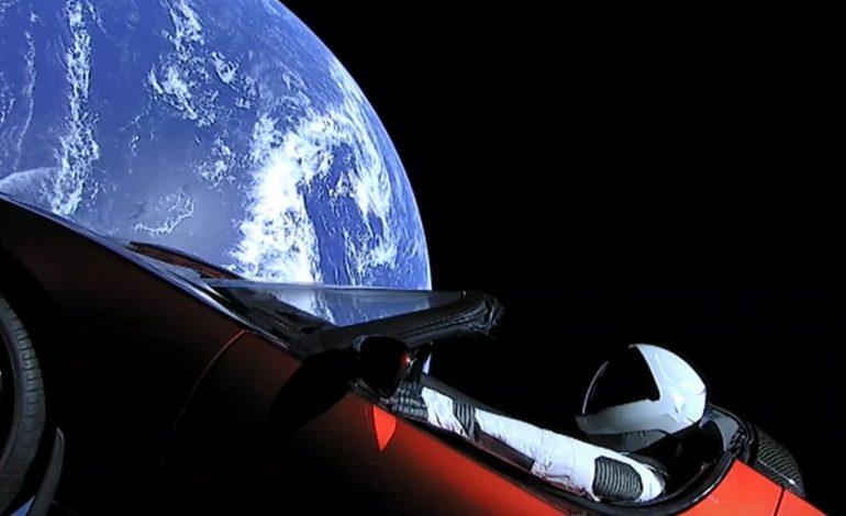 SpaceX : un an après leur départ de la Terre, où en est l'odyssée spatiale de Starman et de son cabriolet rouge vif ?