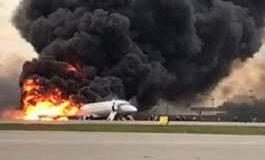 41 morts dans l'attérrissage d'un avion en feu en Russie