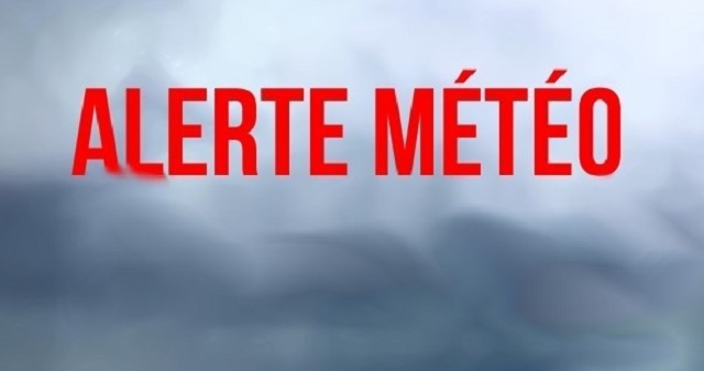 Attention: L'ouragan Lorenzo se balade au niveau de l'océan atlantique