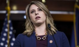Katie Hill, une parlementaire démocrate démissionne en raison d'une relation sexuelle