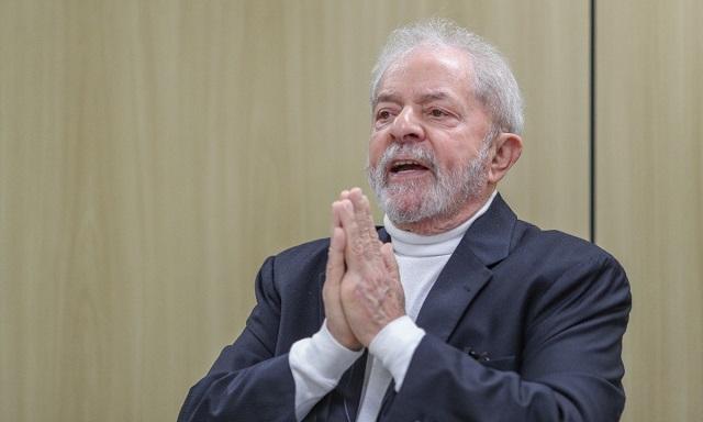 L'ancien président brésilien Lula fait citoyen d'honneur de la Ville de Paris