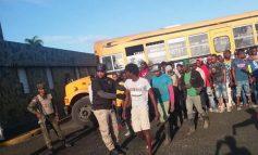 La migration dominicaine arrête 1010 Haïtiens et déporte 866 d'entre eux