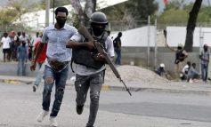« Situation de guerre » dit le Gouvernement, des policiers ont attaqué le QG de l'Armée