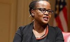 Intronisation de l'haïtiano-américaine Edwidge Danticat à l'Académie Américaine des arts et des lettres