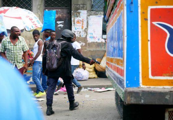 Des policiers protestataires ont semé la pagaille dans les rues de la Capitale