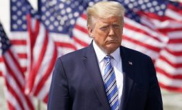 Donald Trump signe un décret prolongeant la suspension des visas jusqu'à la fin de l'année