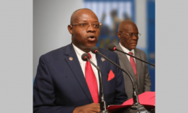 Le Ministre de la Justice promet de libérer la population de village de Dieu des hommes armés...