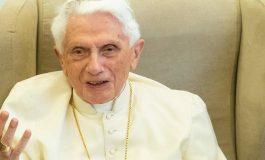 L'ex-Pape Benoît XVI frappé par une maladie
