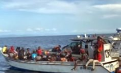 Un groupe de migrants haïtiens secouru en mer de la côte caribéenne de la Colombie
