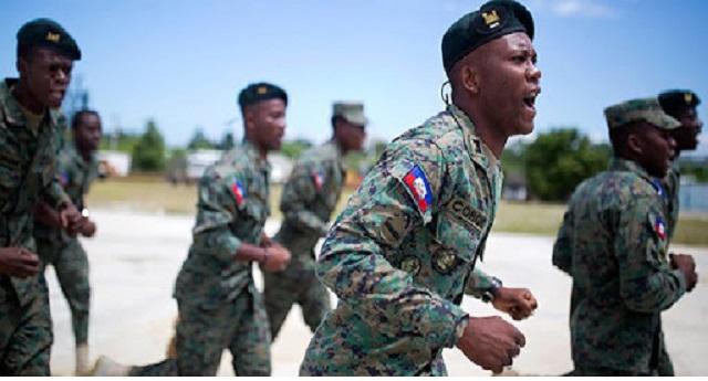 Les forces armées d'Haïti recrutent des jeunes pour une nouvelle classe