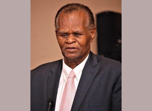 A propos de la nouvelle constitution, le Comité chargé de son élaboration fait signe à la nation