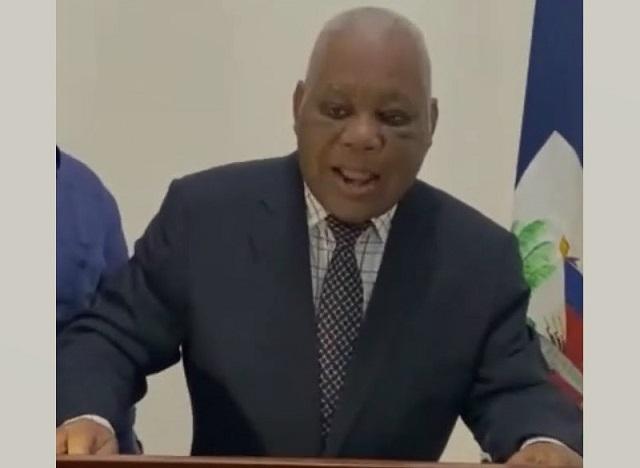 Mécène Jean-Louis interdit de quitter le pays