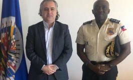Rencontre entre Léon Charles et le représentant de l'OEA en Haïti, Cristobal Dupouy
