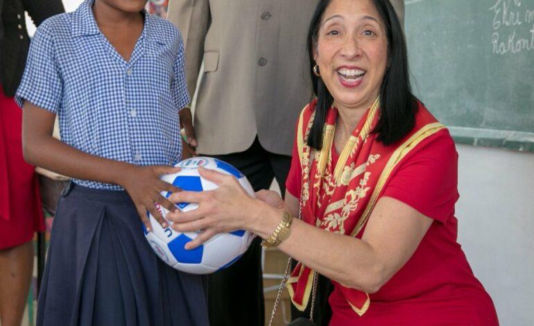 L'Ambassadeur Michel Sison en fin de mission en Haïti